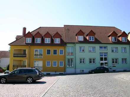 Herrlich helle und großzügige Dreizimmerwohnung mit Balkon im Ortszentrum