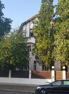Exklusive, sanierte 4-Zimmer-Wohnung mit Terrasse und Balkonen in Leipzig