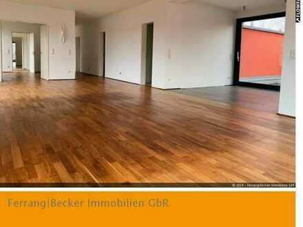 Exklusiv und doch so Understatement: Lichtdurchflutete Penthouse-Wohnung auf 154 qm