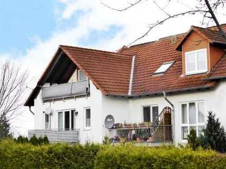 Fuldabrück-Dörnhagen: Sonnige 3 Zimmer-Wohnung mit schönem Balkon und Tiefgaragenplatz