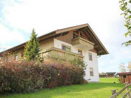 Kuschelige 2 Zimmer Dachgeschosswohnung Taching am See - Seeblick gratis -