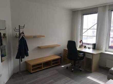 Möbliertes, schickes WG-Zimmer 26qm - 5 min. Fußweg bis zur Innenstadt