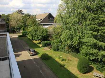 Vollständig renovierte 3-Zimmer-Wohnung mit Balkon und Einbauküche in Essen-Stadtwald