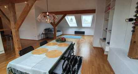 Schöne 3-Zimmer-DG-Wohnung mit EBK in Oberhaching von privat