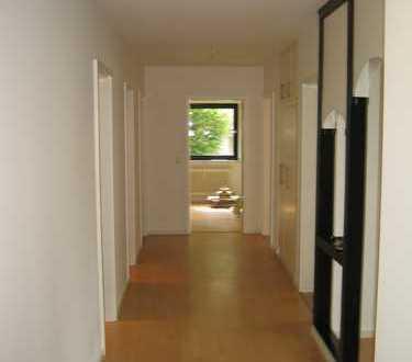Schöne helle 4,5 Zimmer Wohnung 110 m²! Bezugsfrei 15.06.20