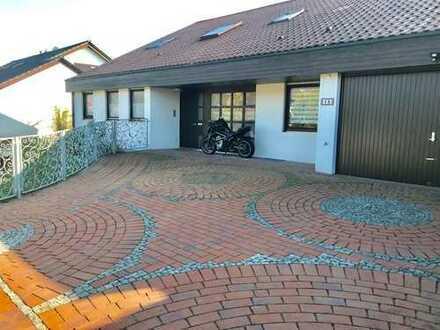 Großzügiges freistehendes Architektenhaus in ruhiger Lage mit separater Einliegerwohnung