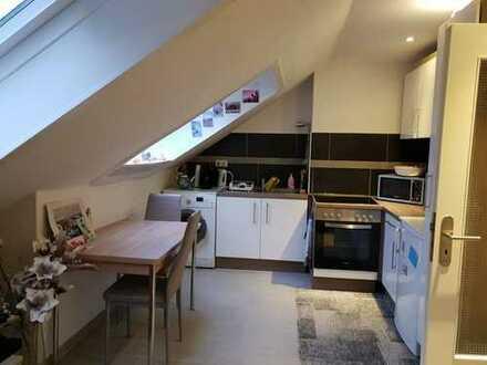 Schönes 2 Zimmer Apartment im Kreuzviertel mit offener Küche