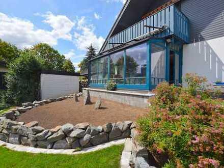 Provisionsfrei! Schönes, großzügiges Einfamilienhaus mit großem Garten in familienfreundlicher Lage