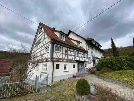 Gepflegte 2,5-Raum-Wohnung mit Einbauküche in Stetten am kalten Markt