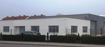Hochwertiges Gewerbegrundstück mit Halle und Bürogebäude direkt an der A8