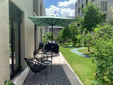 Moderne, geräumige 3 - Zimmer Wohnung mit großer Terrasse in Villengarten