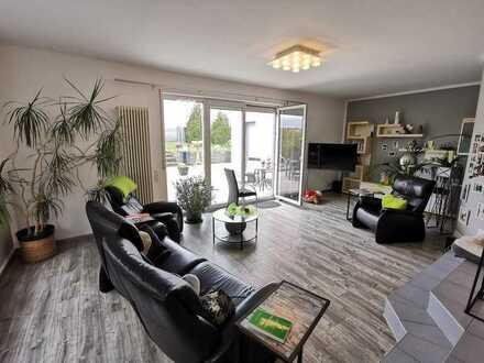 STYLISCH! OFFEN! 168 m² Wfl., 4 Z, 2 Bäder, 60 m² Terrasse! 594 m² BLICK-GRUNDSTÜCK!