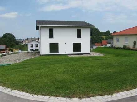 Schönes, geräumiges helles Haus mit vier Zimmern in Unterallgäu (Kreis), Markt Rettenbach