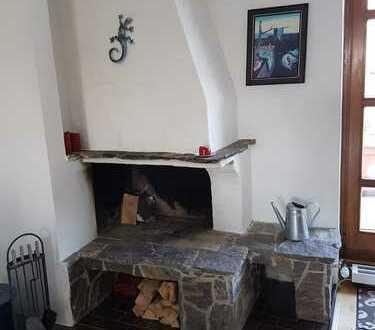 Exklusive 4-Zimmer-Wohnung mit riesiger Dachterrasse und Kamin an der U2