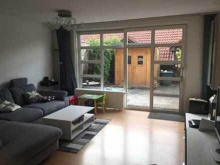 Schöne Maisonette Wohnung mit Badewanne und Dusche zu vermieten