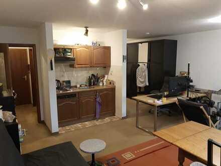 Gepflegte 1,5-Zimmer-Wohnung mit Balkon und Einbauküche in Untergruppenbach