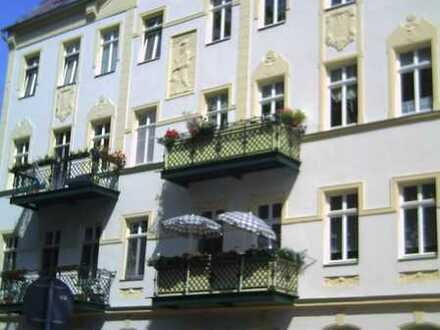 1 Zimmer mit Balkon