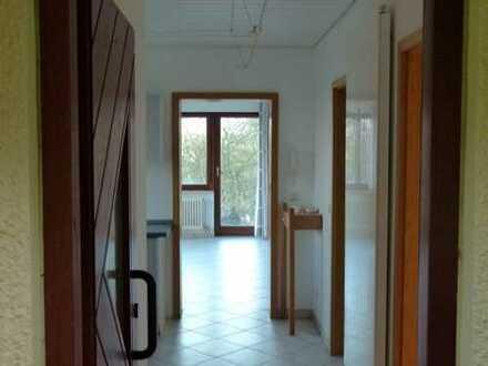 helles 2 Zimmer-Appartement mit EBK, Terasse, Abstellraum, Nähe Rems-Murr-Klinikum und Zentrum