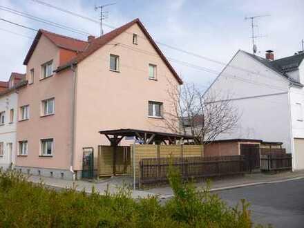 Modernisiertes Zweifamilienhaus in der Oberstadt