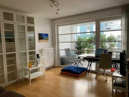 Helle, neuwertige 3-Zimmer-Wohnung mit Südbalkon und Einbauküche in Regensburg