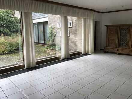 Großzügiges Einfamilienhaus mit möglicher Einliegerwohnung in Dorsten-Holsterhausen!