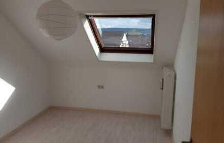 WG Zimmer in Dachgeschosswohnung zu vermieten