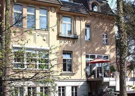 Büroräume im Charmanter Altbau-Villa in Westend