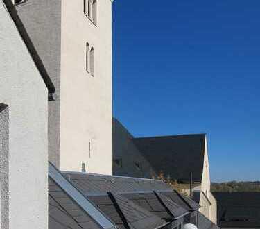 Helle 4-Zimmer-Dachgeschosswohnung mit Balkon bester Lage