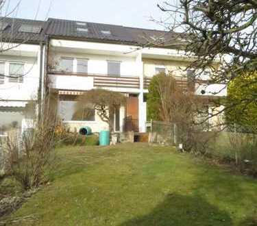 Hübsches 135m² RMH Neusäß-Ottmarsh. mit 100m² Garten, Balk, Garage, 5ZKB 2 Bäder ausgeb. DG Erstbez.