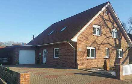 Gepflegtes Ein- oder Zweifamilienhaus mit Garage und Carport in Barßel