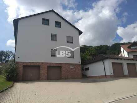 Gut vermietete, sehr gepflegte Wohnung in gehobener Stadtrandlage von Amberg