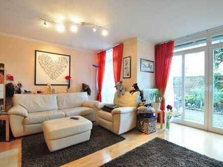 Willkommen in kleiner Hofanlage: Teilmöbliertes Haus mit 4-Zimmern auf 3 Ebenen - Wohnen auf Zeit