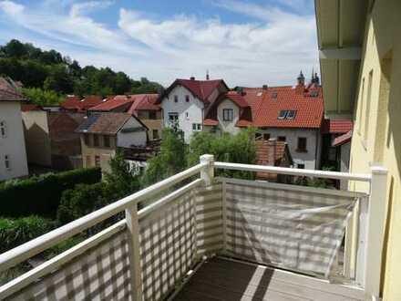 """""""Löffelfertige"""", sonnige 3-Zimmer-DG-Wohnung mit Stellplatz im Stadtzentrum"""