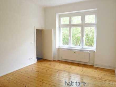WG-geeignet! Tolle Altbauwohnung mit geschliffenen Dielen, EBK und Wannenbad - Herrenhausstraße!