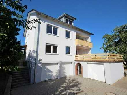 Komplett sanierte 3,5-Zimmer-Wohnung mit sonnigem Süd-Balkon in ruhiger Lage bei Regenstauf! Frei!