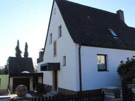 Schönes Haus mit fünf Zimmern in Erlangen-Höchstadt (Kreis), Heroldsberg