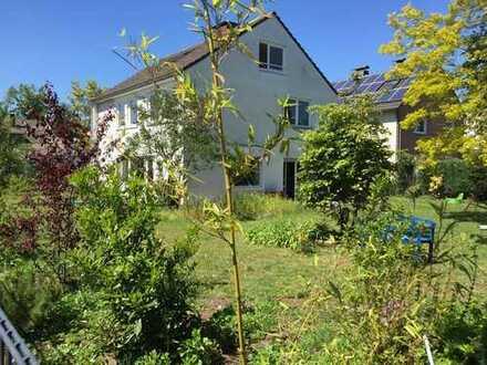Großes komplett renoviertes Einfamilienhaus in Refrath sucht nette Familie