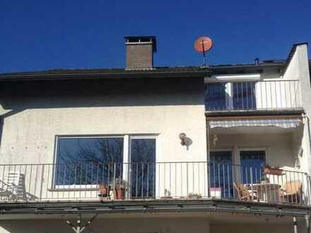 Vier - Zimmer Maisonett-Wohnung mit drei Balkonen