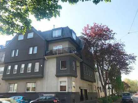 Schöne, helle 2 Zimmer Altbauwohnung mit Balkon im Herzen von Köln Sülz
