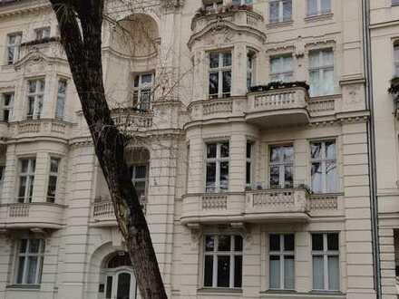 Stilvolle, sanierte 3-Zimmer-Altbau-Wohnung mit Balkon und Einbauküche in Potsdam