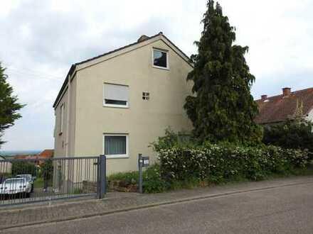 Sofort beziehbares & freistehendes Wohnhaus mit 11 Zimmern in SÜW Gleisweiler - provisionsfrei!