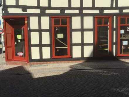 Ladenlokal mit Büro und Sozialtrakt