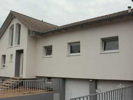 Schönes, geräumiges Haus mit sechs Zimmern in Aschaffenburg (Kreis), Kahl am Main