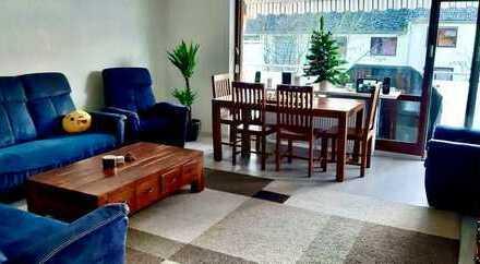 Helle Möblierte Wohnung in zentraler Lage inkl. Stellplatz