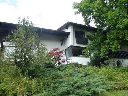 8-Zimmer-Villa mit Alpenblick auf großzügigem Grund in Oberbeuren, Kaufbeuren