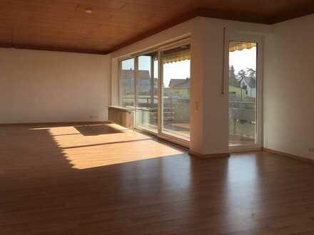 137qm, 5 Zimmer, Balkonloggia, OG1 + 42 qm Büro/Lager, optional