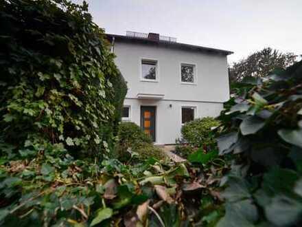 Schöne Doppelhaushälfte mit fünf Zimmern in traumhafter Lage, Hadern