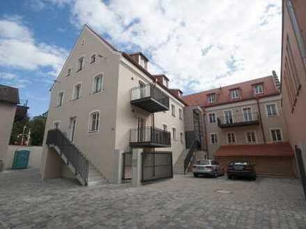 Einzigartige 2-Zimmer-DG-Wohnung in aufwändig saniertem Denkmal in Kelheim