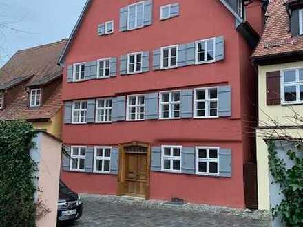 Top-saniert mit EBK und Terrasse: schöne 3-Zimmer-EG-Wohnung in Dinkelsbühl