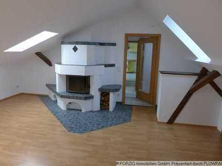 +++ gemütliche DG-Wohnung mit Einbauküche +++